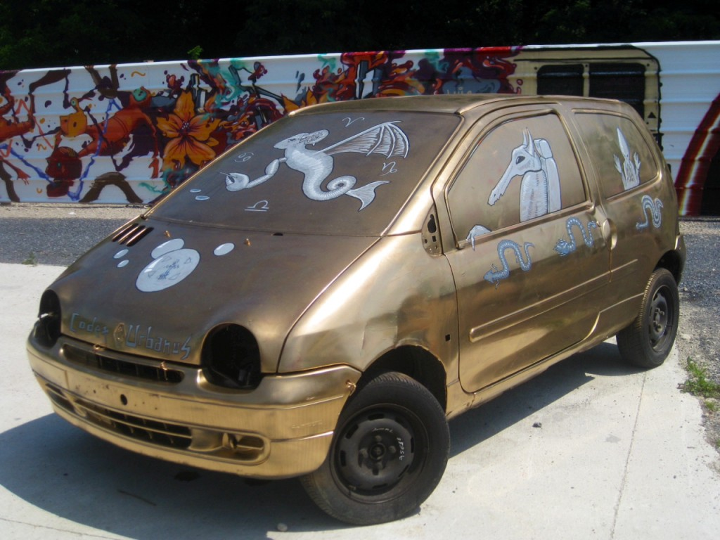 The Cosmic Twingo